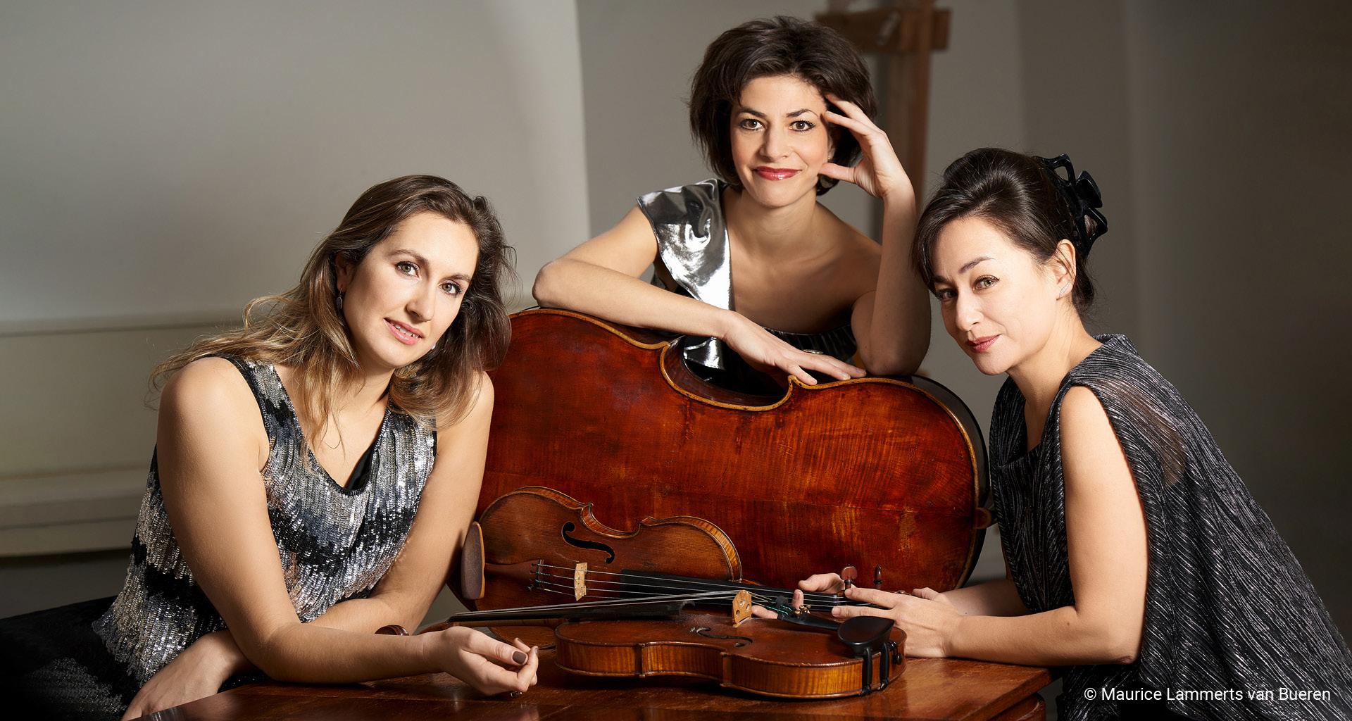 Emi Ohi Resnick, viool, Simone van der Giessen, altviool, Timora Rosler, cello